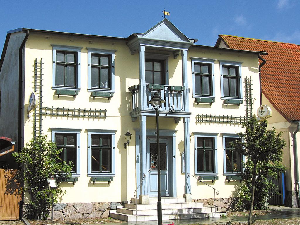 Ferienhaus 8-16 Pers. Ferienhaus auf Rügen